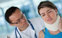 Шейный воротник при остеохондрозе: достоинства и недостатки, правила выбора и показания к применению, противопоказания и эффективность