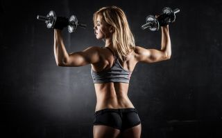 Можно ли заниматься спортом при межпозвоночной поясничной грыже: разрешенные и запрещенные нагрузки, 5 видов занятий и правила тренировок, для чего нужно движение