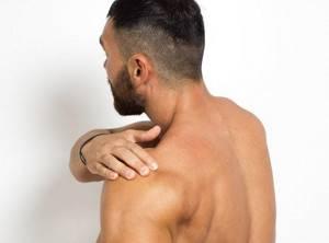 Как оказать первую помощь при вывихе в плечевом суставе