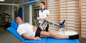 Реабилитация после эндопротезирования тазобедренного сустава: требования к положению ног и движениям, упражнения, правила питания