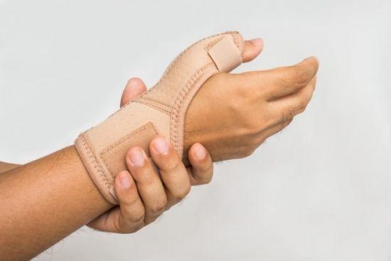 Почему немеют кисти рук: основные причины нарушений, возможные заболевания, методы диагностики, что делать, лечение и профилактика