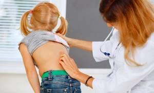 Сколиоз у детей: как распознать искривление, клиническая картина и группы риска, симптомы и признаки патологии, методы терапии и профилактика осложнений