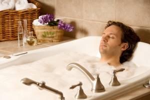 Лечебные ванны при остеохондрозе в домашних условиях: показания для применения и противопоказания, эффективность и виды, применение дома