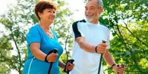 Упражнения для укрепления спины для пожилых людей: польза и эффективность гимнастики, комплекс тренировок и правила их выполнения, важные рекомендации пациентам