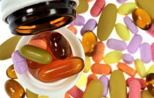 Витамины для позвоночника при лечении остеохондроза: комплексы группы А, В1, В2 В6, В12, d, С и Е в таблетках, уколах и продуктах, показания к применению