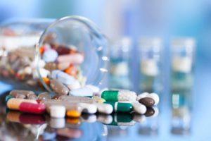 Лечение межпозвоночной поясничной грыжи в домашних условиях: симптомы и диагностика заболевания, терапия с помощью лекарственных препаратов, ЛФК и средств нетрадиционной медицины