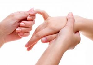 Артроз пальцев рук: причины развития заболевания и его первые признаки, медикаментозные и народные методы лечения, польза ЛФК и массажа, осложнения и профилактика патологии