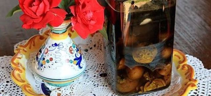 Лекарство из зеленых грецких орехов для суставов: народные рецепты и правила приготовления в домашних услових, показания и противопоказания для применения