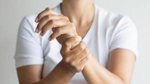 Чеснок для суставов: польза и вред продукта, влияние на костную стстему, народные рецепты и правила применения