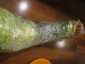Лечение суставов капустным листом: народные рецепты, польза и вред овоща, предостережение от использования и показания к применению
