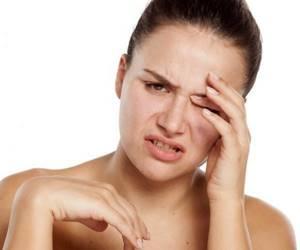 Защемление лицевого нерва: возможные заболевания и клиническая картина, способы снятия неприятных ощущений и лечебные мероприятия, профилактика и осложнения недуга