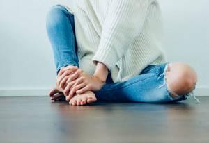 Голодание при заболеваниях суставов: правила проведения, возможные побочные эффекты, показания и противопоказания, польза и вред, отзывы пациентов