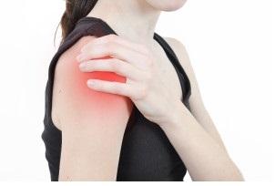 Реабилитация после перелома плеча: этапы восстановления, упражнения ЛФК и способы их выполнения, польза массажа и физиопроцедур, важные рекомендации по питанию