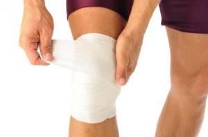 Лечение суставов солью: лечебные свойства и противопоказания, народные рецепты и правила применения, как приготовить растирку и раствор
