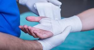 Растяжение связок кисти руки: основные симптомы, что делать, первая помощь, лечение в домашних условиях