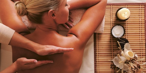 Массаж при болях в спине: разновидности методик, их полезные свойства, техника выполнения и особенности процедур, противопоказания к терапии