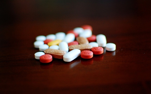 Уколы при грыже позвоночника пояснично-крестцового и шейного отделов: разновидности препаратов и принцип действия, методы введения лекарственных средств, цена в аптеке