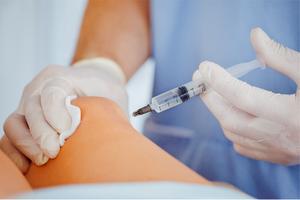 Гиалуроновая кислота для суставов: для чего делают, какие виды внутрисуставных инъекций используются, эффективность метода и принцип действия препарата
