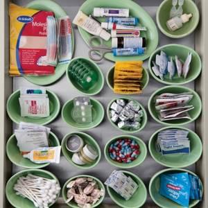 Мазь Капсикам: описание и состав препарата, показания и противопоказания к применению, способы использования и дозировка, побочные реакции, отзывы пациентов и цена в аптеках