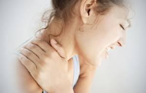 Влияние алкоголя на остеохондроз позвоночника: польза и вред этанола при заболевании, совместимость болезни с крепкими напитками, плюсы и минусы умеренного потребления