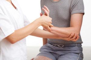 Боль в руке от локтя до кисти: о чем говорит опасный симптом, диагностика, лечение и профилактика