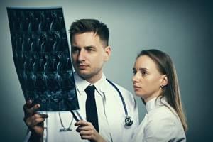 МРТ шейного отдела позвоночника: виды и преимущества методики, показания и противопоказания к диагностике, подготовка и механизм проведения процедуры, ее стоимость