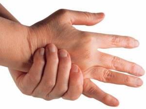 Судороги в руках: основные причины, диагностика заболевания, лечебные меры, аптечные и народные средства, профилактика