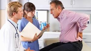 К какому врачу обращаться при грыже позвоночника: описание патологии, когда необходима врачебная помощь, методики диагностики и лечения, выбор специалистов