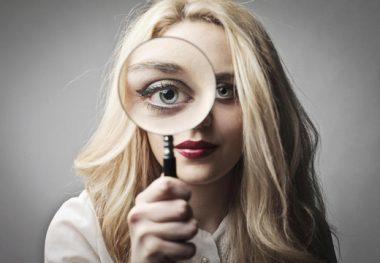 Мерцание и вспышки в глазах при шейном остеохондрозе: причины и распространенные симптомы нарушения, диагностика, терапевтическое лечение и профилактика