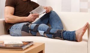 Гидрартроз: причины скопления жидкости в суставе, характерные особенности и симптомы патологии, способы диагностики, лечение препаратами и народными средствами