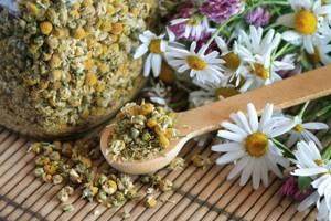 Как лечить остеопороз в домашних условиях: простые рецепты приготовления настоев, мазей и компрессов, оздоровительная гимнастика и правила питания