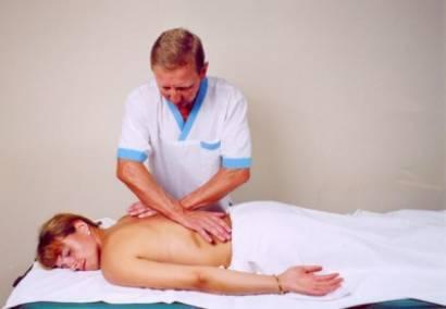 Мануальная терапия при 1, 2 степени сколиоза: польза методики, основные техники и приемы, количество необходимых процедур и противопоказания, эффективность лечения