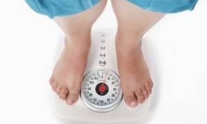 Можно ли парить ногу при пяточной шпоре: польза и вред высоких температур, народные рецепты ванночек и комперессов, результаты лечения плантарного фасциита солью