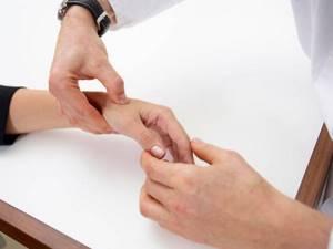 Лигаментит: особенности заболевания и клиническая картина, медикаментозная терапия и показания к операции, профилактика патологии