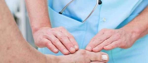 Какой врач лечит подагру: как определить заболевание, к кому обратиться с проблемой, методы диагностики и лечения аптечными препаратами и средствами нетрадиционной медицины