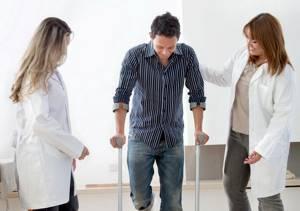 Инвалидность после эндопротезирования тазобедренного сустава: возможные осложнения после хирургического вмешательства, медицинская экспертиза и процедура оформления