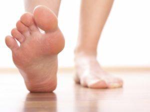 Артроз нижних конечностей: полное описание заболевания и почему возникает, причины и симптоматика патологии, медикаментозные и народные методы терапии, прогноз и профилактика