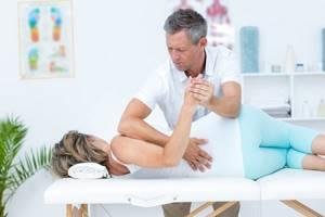 Межпозвоночная грыжа и беременность: симптомы и причины заболевания, опасность для мамы и ребенка, способы терапии и особенности родоразрешения