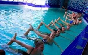 Болит спина после бассейна: основные правила занятий и 7 эффективных упражнений, возможные патологии и методы терапии