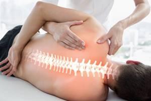 Мануальный терапевт и остеопат: особенности и принципы методик терапии, их сходства и различия, показания и противопоказания к визиту врача, советы по подбору специалиста