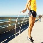 Гимнастика для колен при артрите коленного сустава: польза физкультуры при заболевании, эффективные комплексы упражнений и правила их выполнения, противопоказания к ЛФК