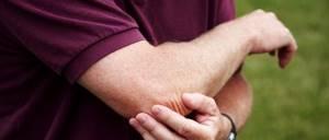 Локтевая шпора: провоцирующие факторы и причины появления нароста, клинические симптомы, современные и народные методы лечения, важные рекомендации