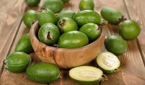 Слива при подагре: состав и лечебные свойства плодов, их влияние на заболевание, нормы и правила потребления, противопоказания и возможный вред