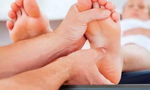 Массаж при пяточной шпоре в домашних условиях: польза и вред, основные виды и методы выполнения, противопоказания и массажные приемы, советы специалиста