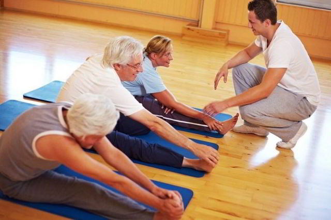 Упражнения при остеохондрозе поясничного отдела позвоночника: польза и вред лечебной физкультуры, примеры движений и правила тренировок