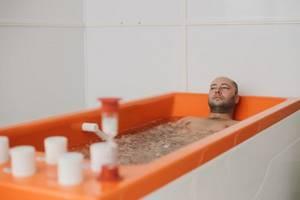 Горячие термальные источники в России для лечения суставов: обзор популярных мест, полезность бальнеотерапии, показания и противопоказания, отзывы и рекомендации