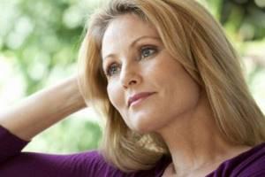 Постменопаузальный остеопороз: причины и механизм возникновения, список препаратов для лечения заболевания и способы профилактики