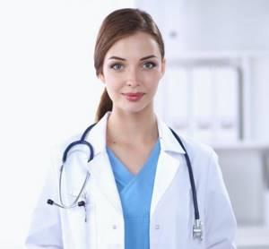 Киста тазобедренного сустава: причины развития опухоли, характерные симптомы с учетом вида выростов, классические способы терапии и показания к операции, меры профилактики