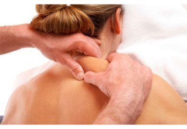 Как лечить шейный остеохондроз в домашних условиях: общие рекомендации и противопоказания, метод Бубновского и самомассаж, компрессы по народным рецептам и медикаментозная терапия