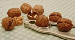 Мороженое и подагра: состав и калорийность продукта, польза и вред, особенности употребления, рецепты приготовления, сколько можно в день